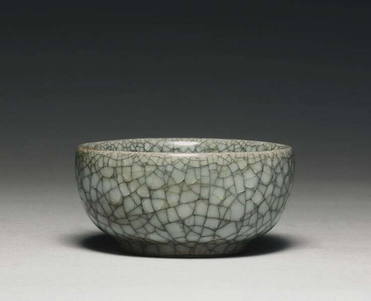 A small guan-type bowl, Ming dynasty