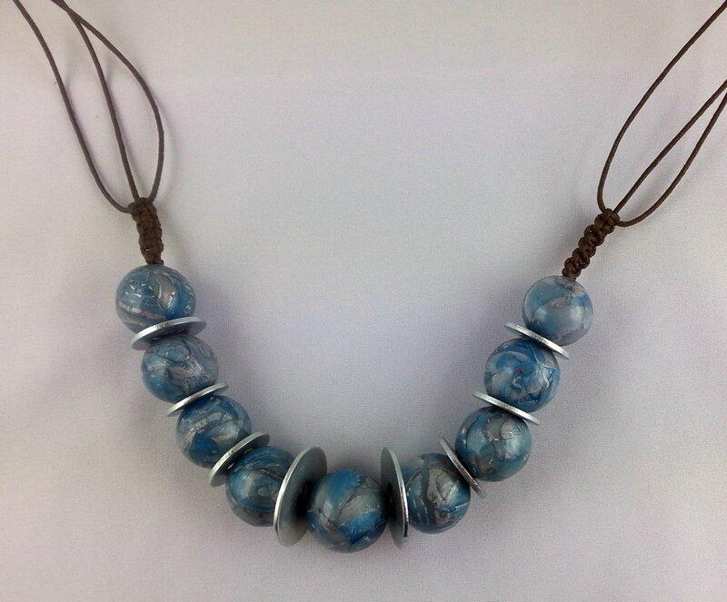 collier perles échangées