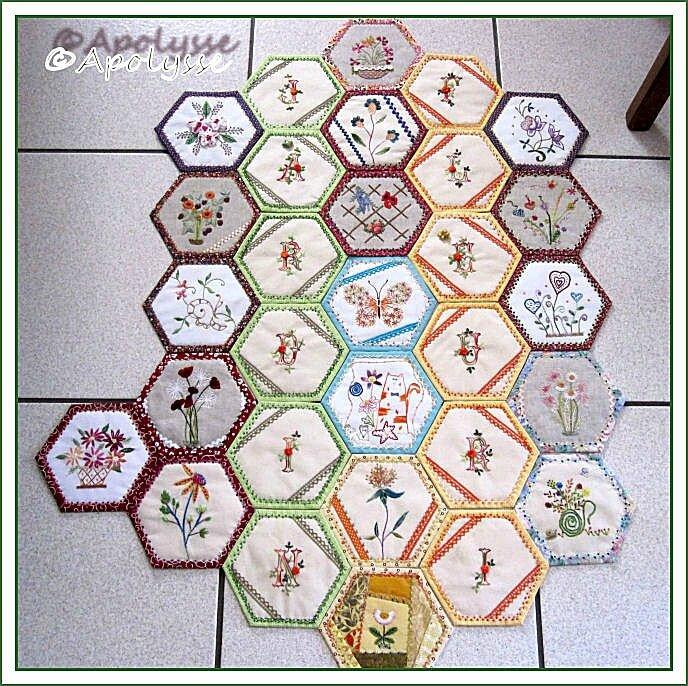 Bee quilt 30