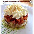 Macédoine de légumes entourée d'asperge, surmontée de tomates en vinaigrette et sa chantilly mayonnaise