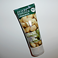 Desert essence et sa délicieuse crème pour les pieds à la pistache.