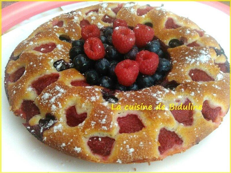 Ma couronne à la vanille et aux fruits rouges - La cuisine de Biduline