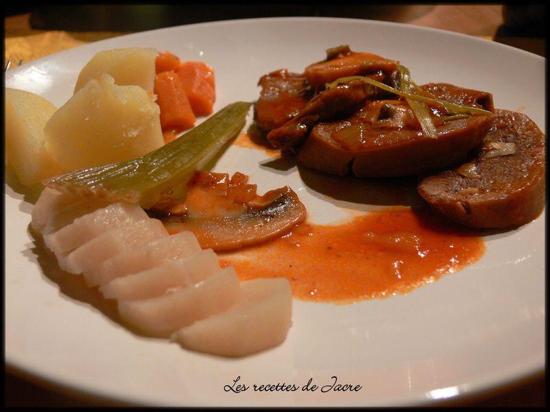Langue de boeuf en sauce tomate en toute simplicit - Cuisiner langue de boeuf ...