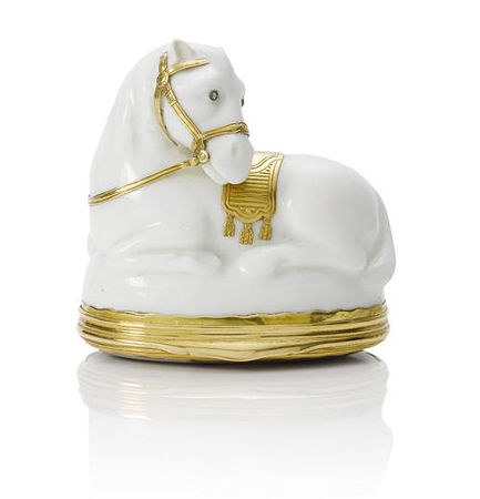 A_Saint_Cloud_gold_mounted_snuff_box_in_the_form_of_a_recumbent_horse__circa_1740_501