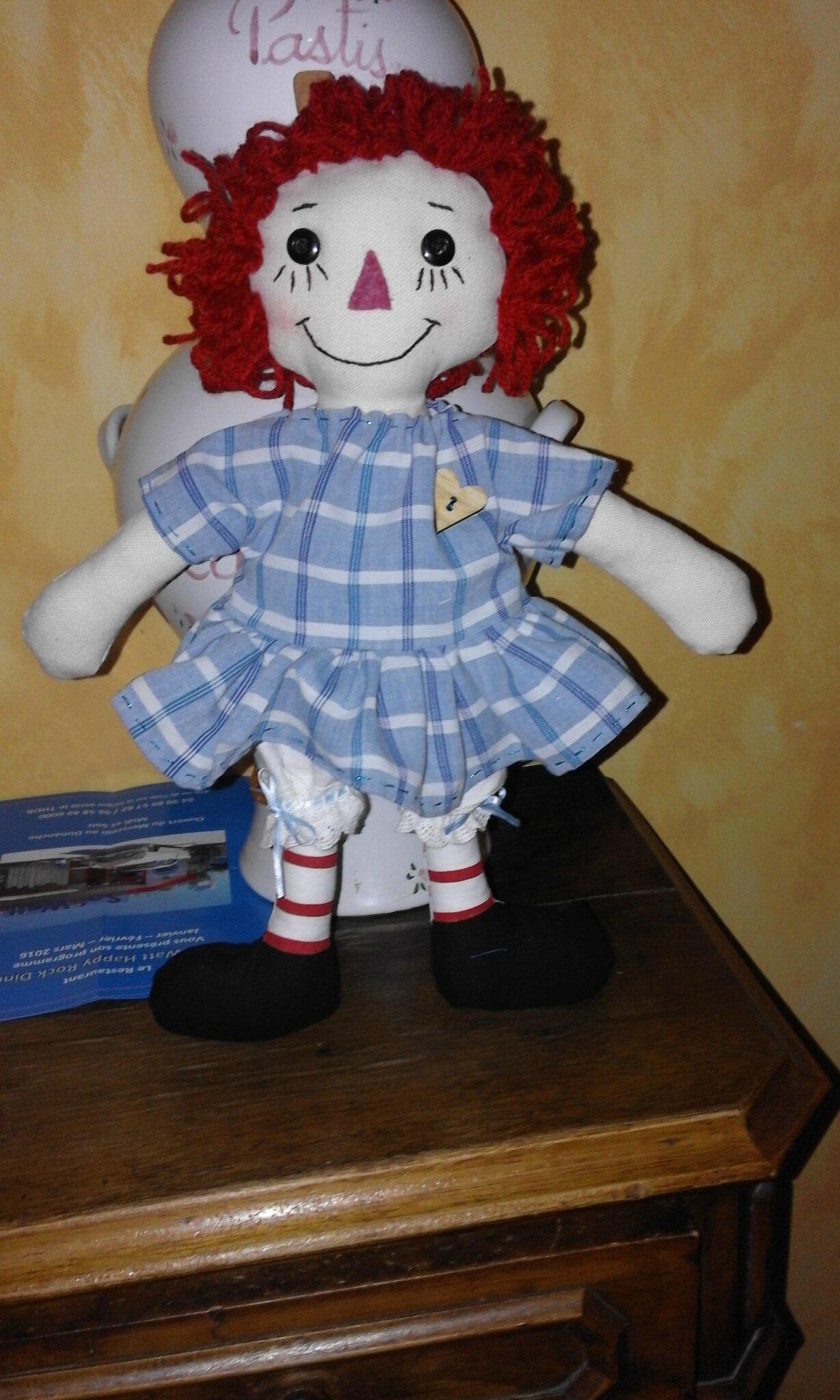 une poupée en chiffon pour une jolie poupée ....