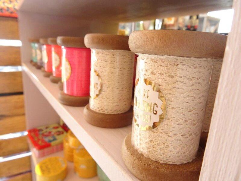 bobine en bois ruban lace tape