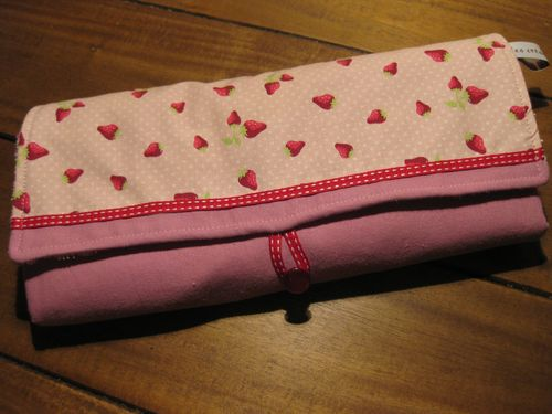 Tapis à langer fraise