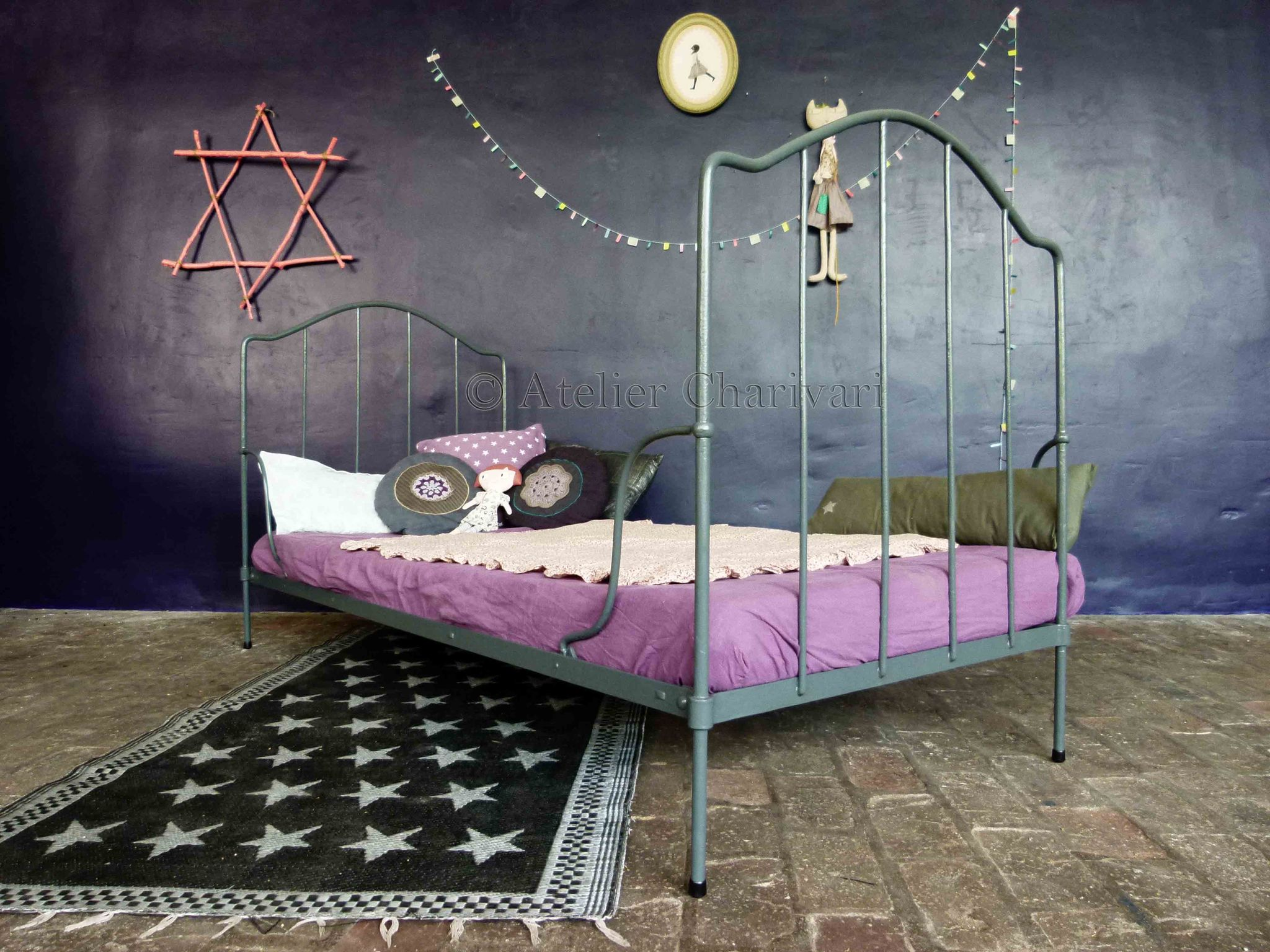 lit metal enfant. Black Bedroom Furniture Sets. Home Design Ideas