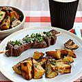 Brochettes de boeuf aux échalotes et pommes de terre aux herbes (recette barbecue)