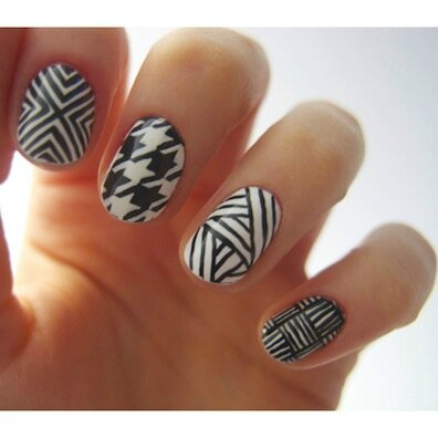 05-nail-art-ideas-black-and-white1