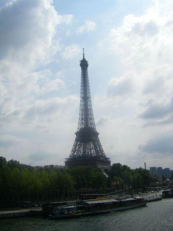 17 Mylène à Paris