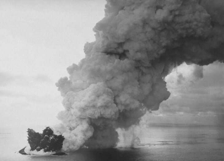 Surtsey_eruption_2a