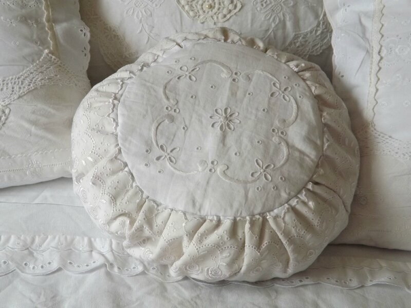 Coussin rond (9)