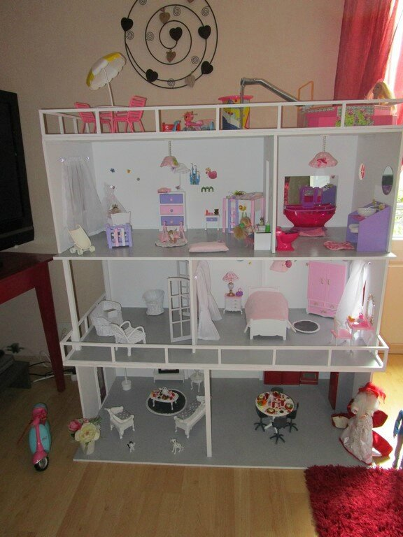 fabriquer une maison barbie en 1 semaine prix. Black Bedroom Furniture Sets. Home Design Ideas