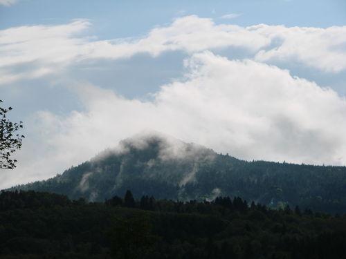 2008 05 17 Le Lizieux avec de la brume aprés le pluie