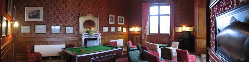 TV_lounge_carbisdale_castle2