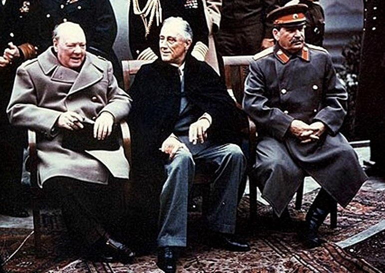 1945-accords de Yalta entre Angleterre-USA-URSS