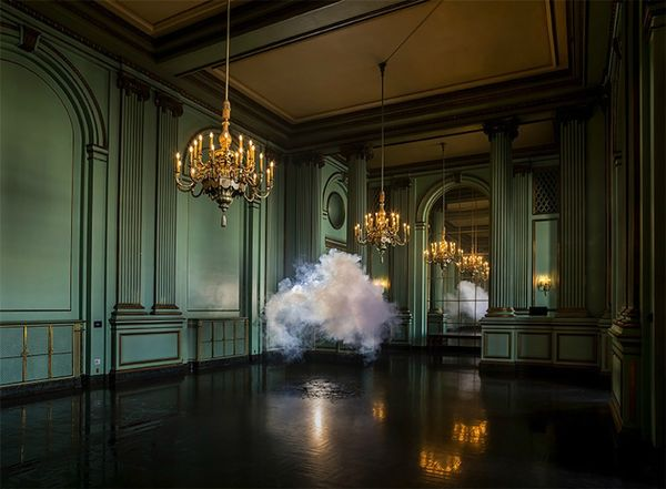 Berndnaut-Smilde-Cloud-Installations-04
