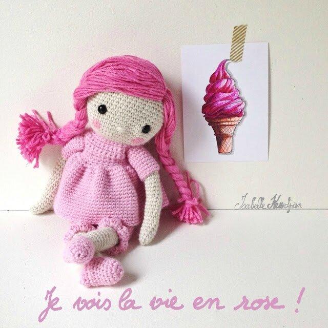 poupée au crochet rose