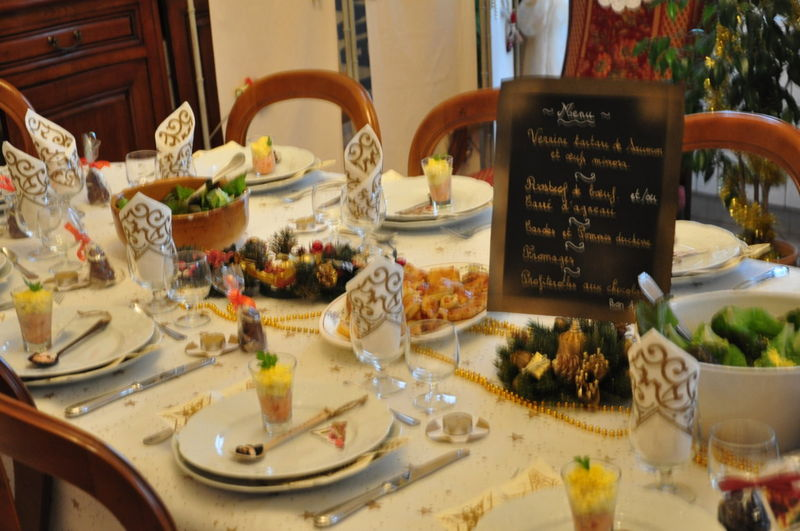D cor de table de repas entre amis la cuisine selon lulu for Deco entre