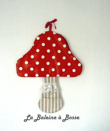 range pyjama doudou jouet fourre-tout champignon rouge pois blanc