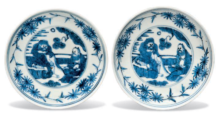 A pair of blue and white dishes, Wanli Period (1573-1619)