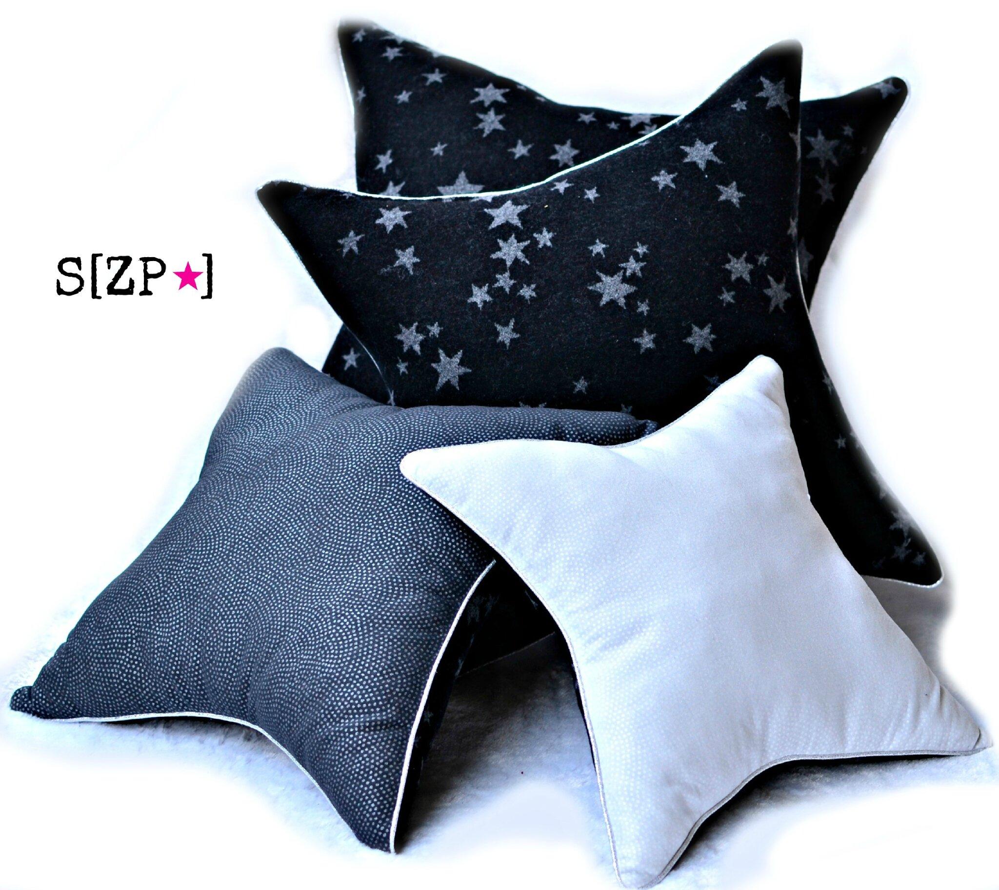 c t d co les coussins carr cass envahissent le canap shirleyzepap l o se pose le. Black Bedroom Furniture Sets. Home Design Ideas