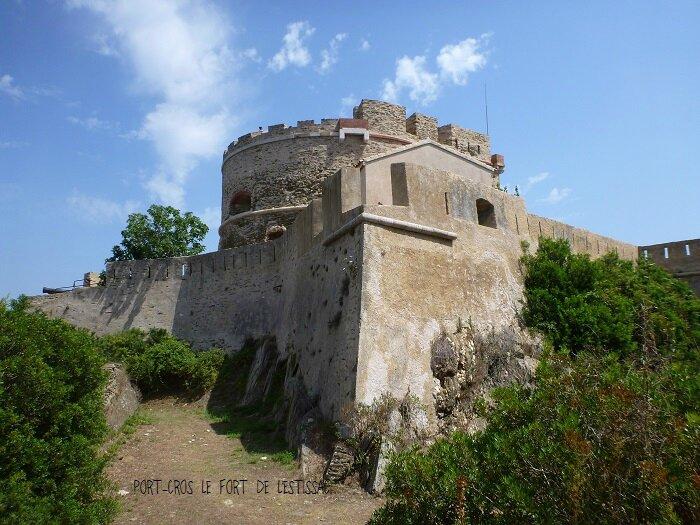 P1000374 fort de l'Estissac