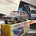 Dinky-toys, la renault 16 et tous ses détails... un jouet perfectionné et vintage en parfait état...