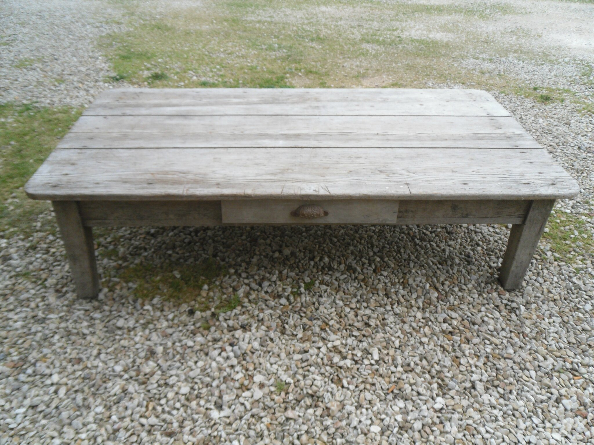 Table basse en bois gris e ancienne la d co des anges - Table basse bois ancien ...