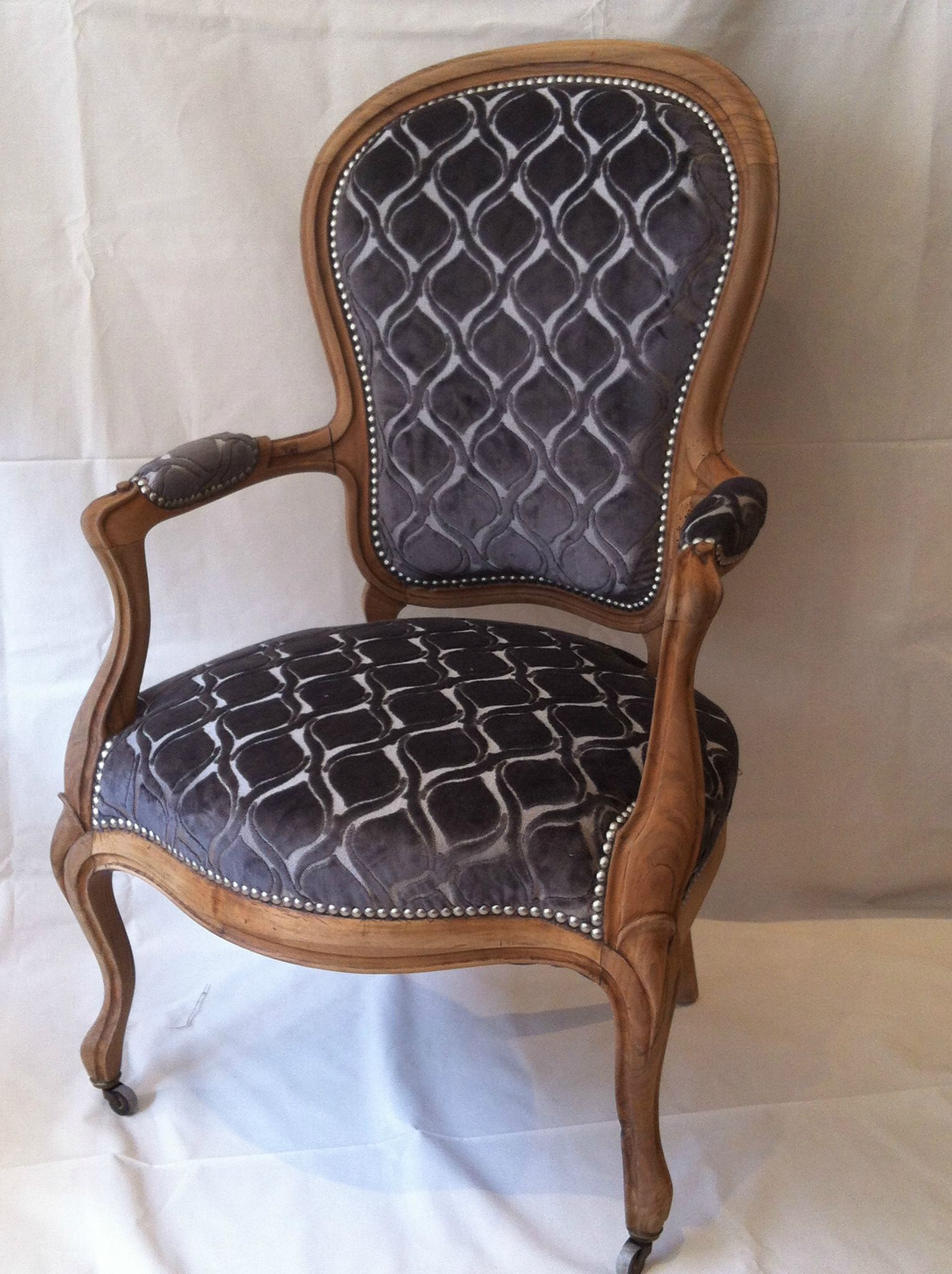 fauteuil et chaises louis philippe de madame bg tendance chic tapissier cr ateur. Black Bedroom Furniture Sets. Home Design Ideas