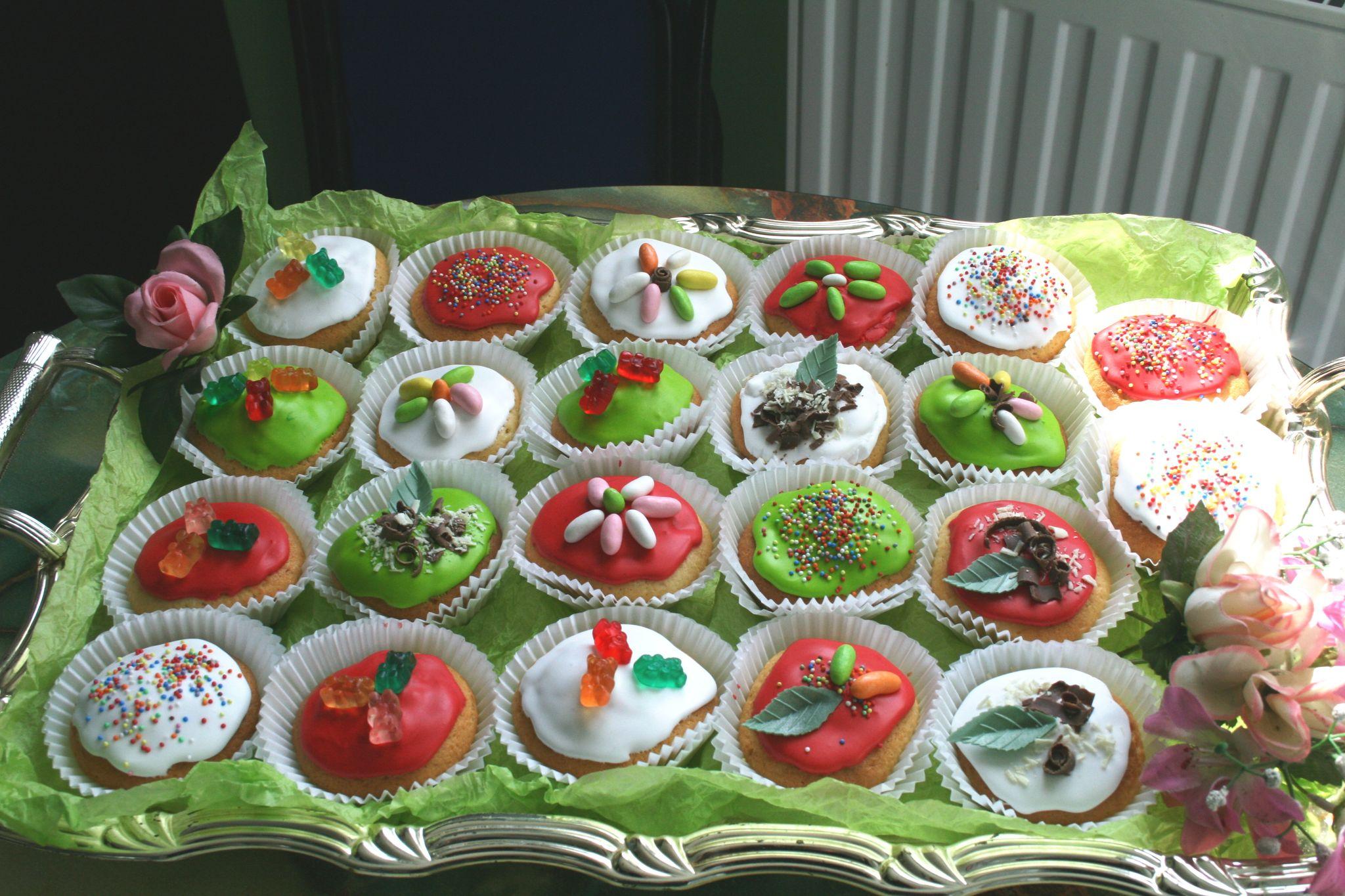 Muffins pour un anniversaire pleins de couleur !