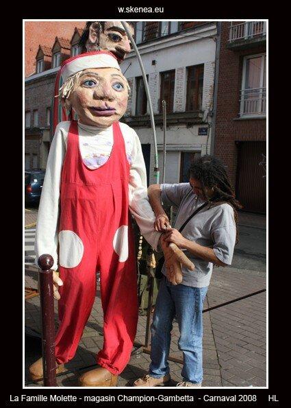 FamilleMolette-magasinChampion-Carnaval2008-045