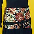 ref 5 : fleurs japonaises fauves sur fond noir