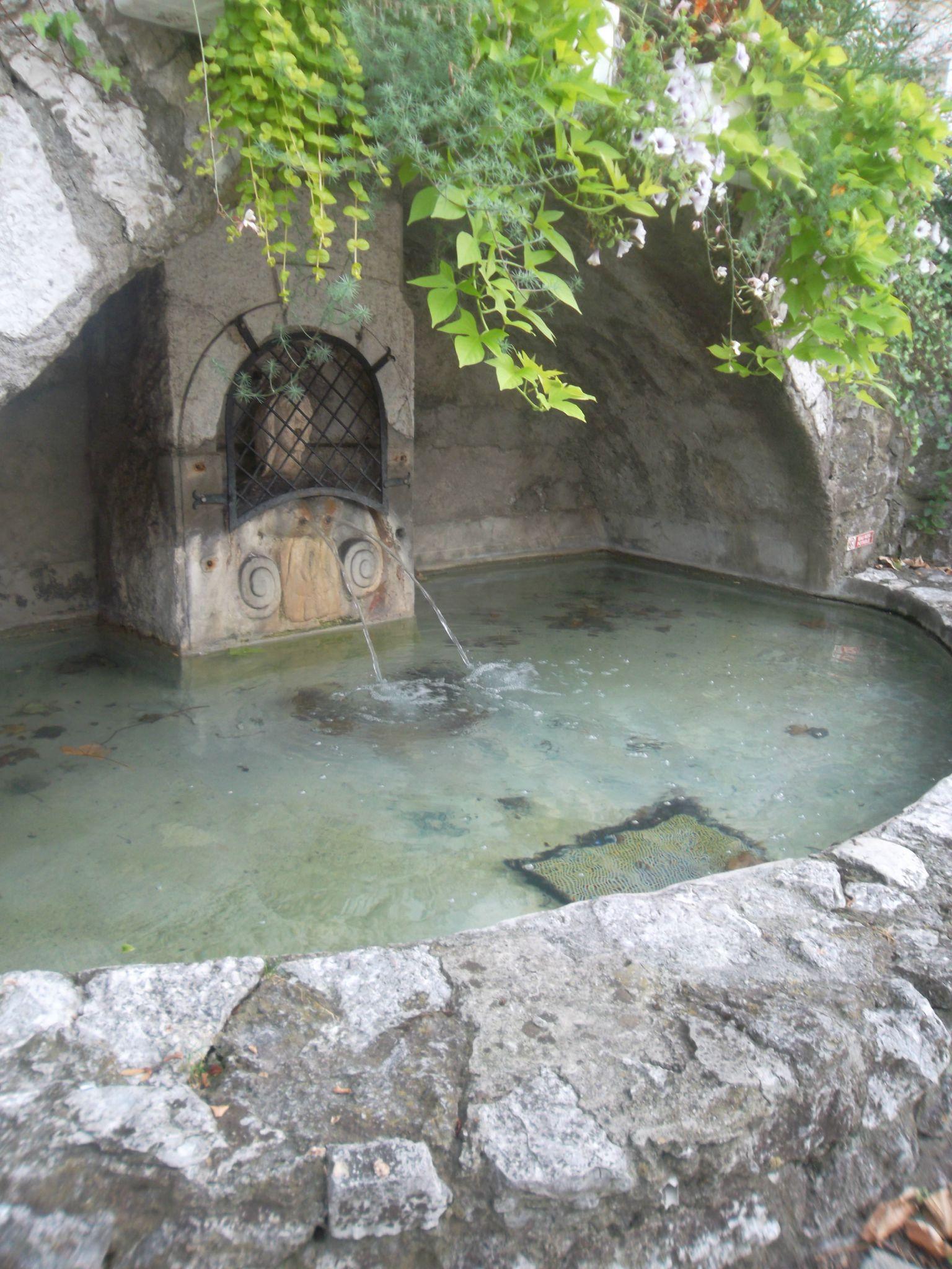 La fontaine aux deux bourneaux.