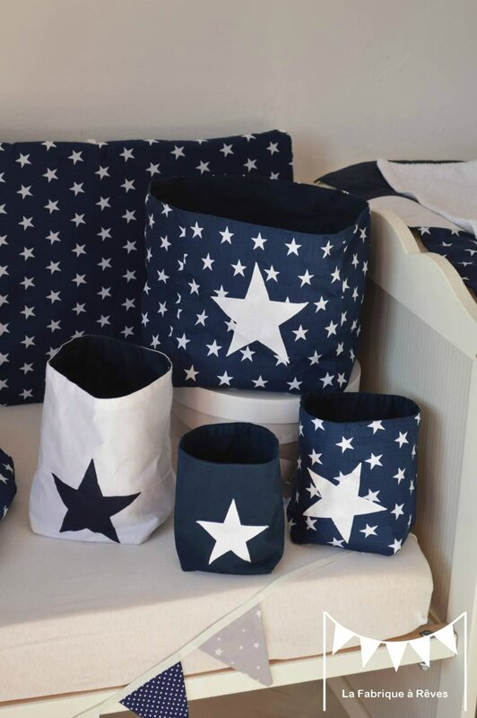 pochons rangement r versibles bleu marine blanc toiles. Black Bedroom Furniture Sets. Home Design Ideas