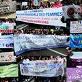 Marche mondiale des femmes : les banderoles