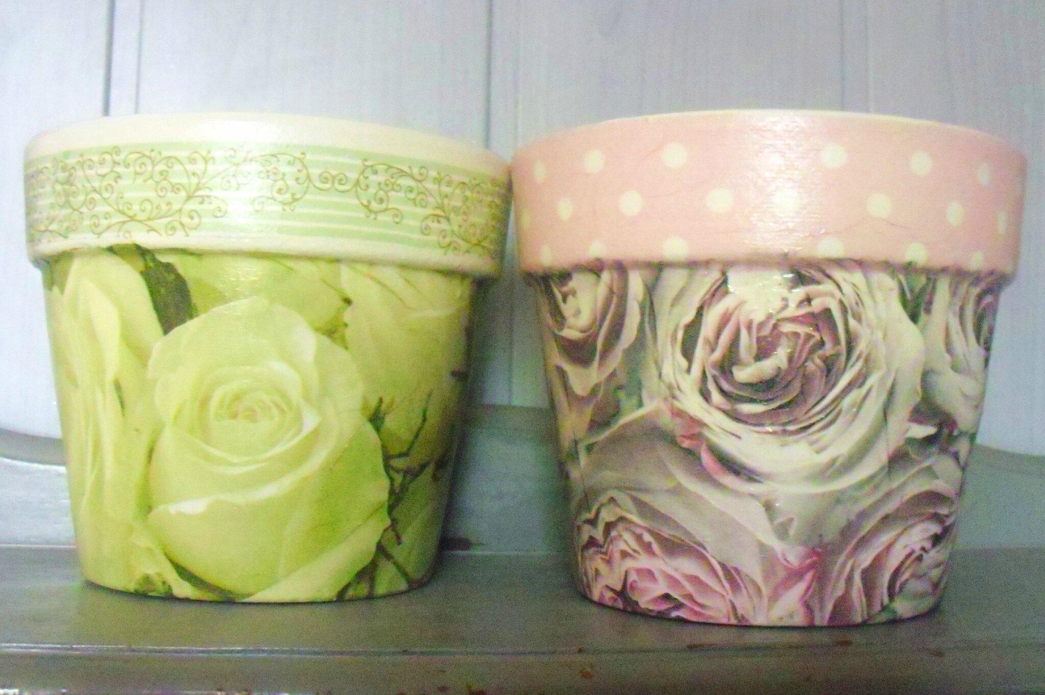 pots de fleurs baroques et shabby serviettage une f e. Black Bedroom Furniture Sets. Home Design Ideas