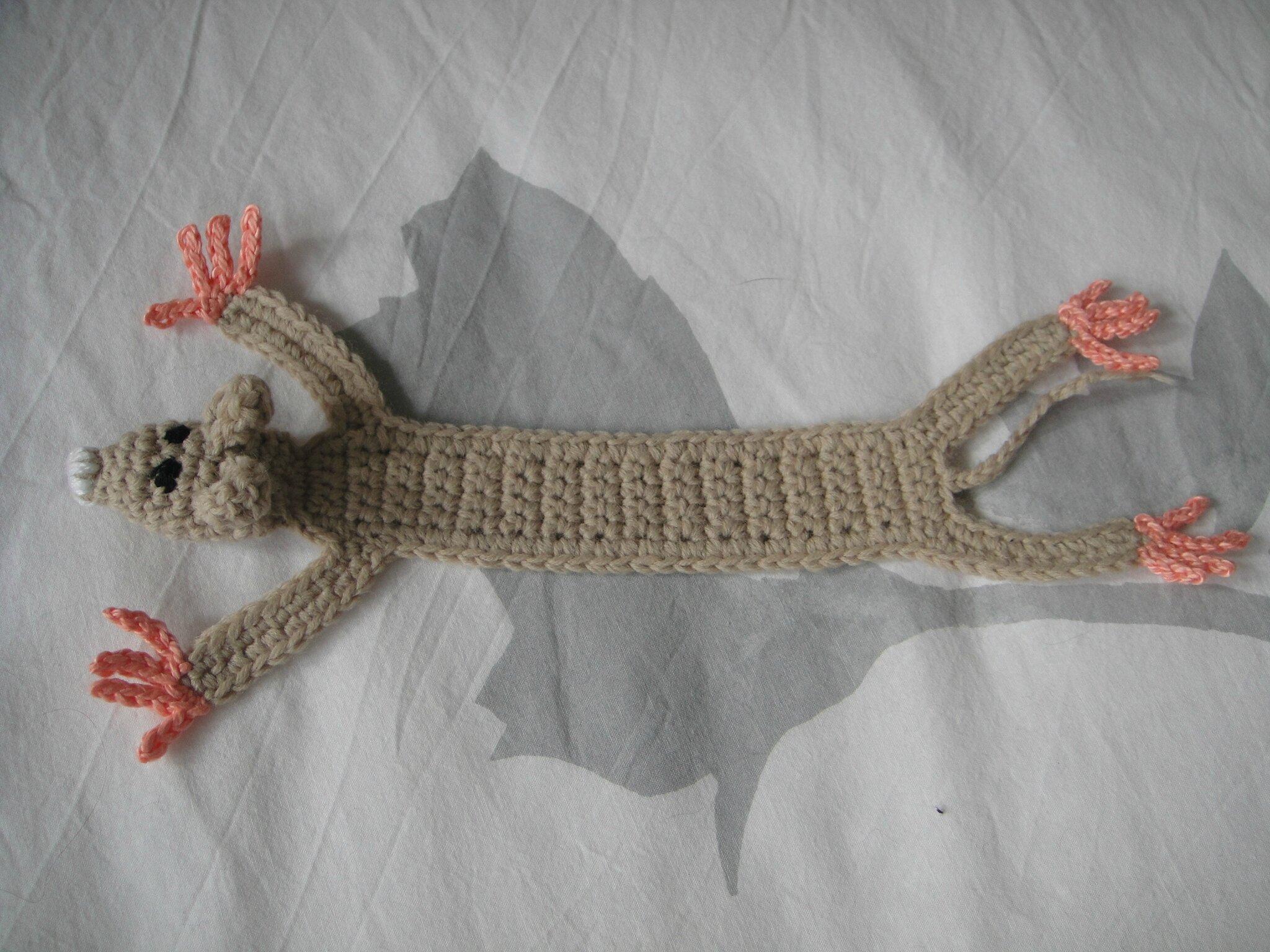 Un marque page au crochet tricot crochet doudous de - Modele marque page ...