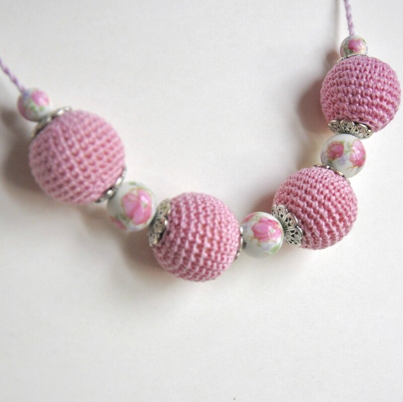 collier perle crochet rose 4