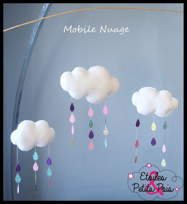 Mobile nuage Etoiles et Petits POis
