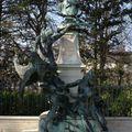 Statue du peintre eugène delacroix au jardin du luxembourg