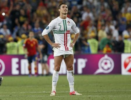 euro-2012-portugal-s-ronaldo-reacts-after-loosing-penalty-shoot-out-of-the-euro-2012-semi-final-soccer-match-a-20120627234251-7930