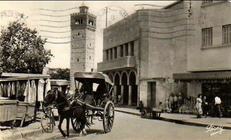 devant_la_mosqu_e_Tunis