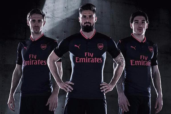 Arsenal et Puma ont officialisé le maillot third 2017-2018 !