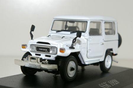 Toyota_Landcruiser_BJ42___Norev