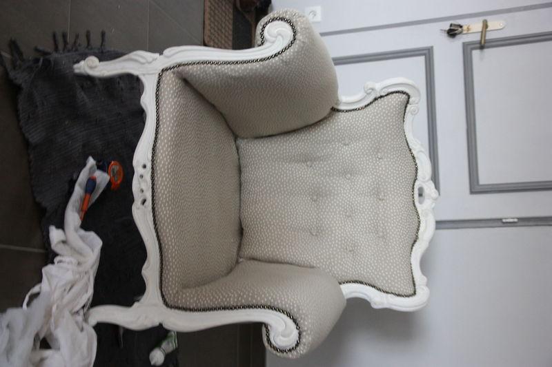 et voil le fauteuil baroque restaur finir le refection de sieges fauteuils. Black Bedroom Furniture Sets. Home Design Ideas