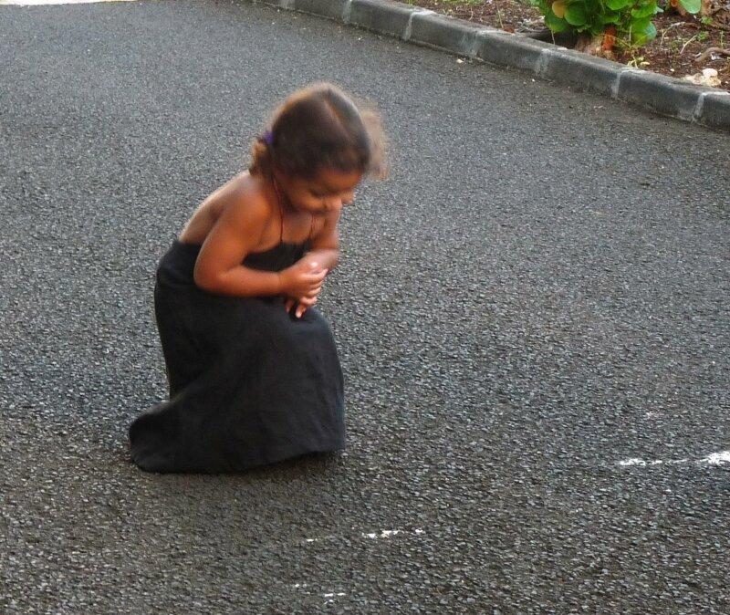 robe noire baissé