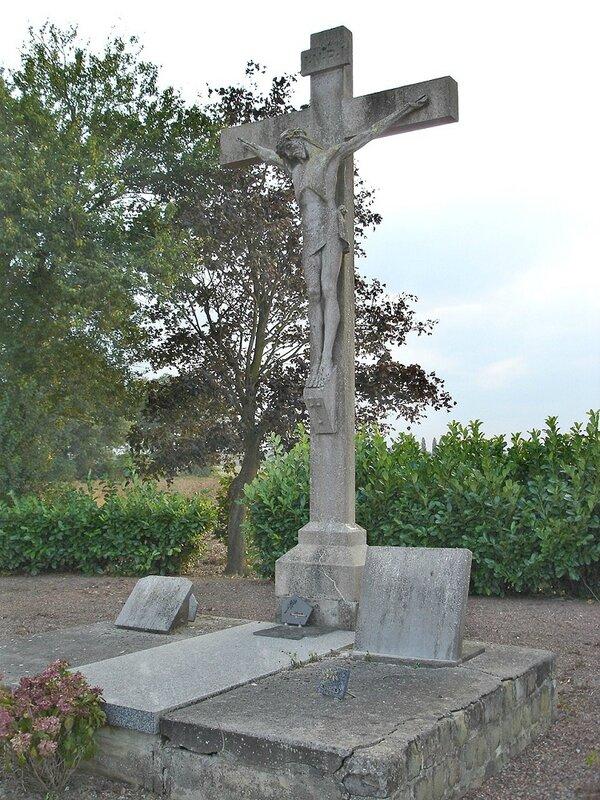 2014-09-17-calvaire cimetière Caudescure (1)
