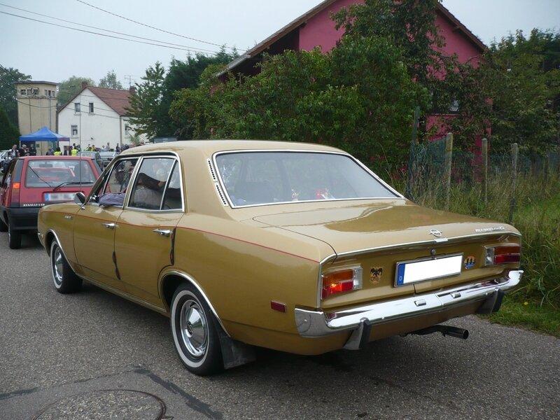 OPEL Rekord C 1700L berline 4 portes Hambach (2)